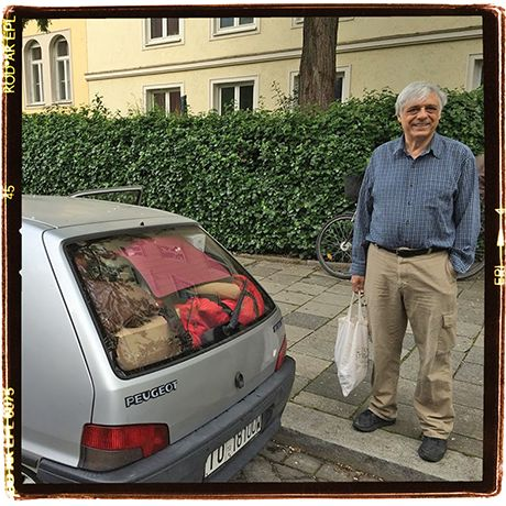 Time to leave Munich (DE). Car is quite packed up. Police stopped us after only 6 km ...