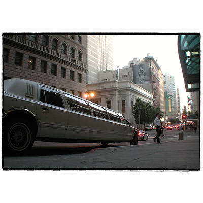 Limousine esagerata in downtown San Francisco