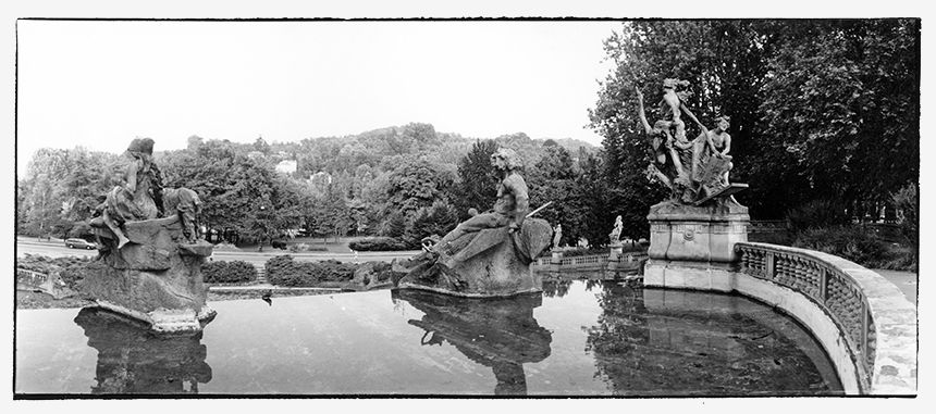 Valentino Park in Torino - The Month Fountain, 12 statues